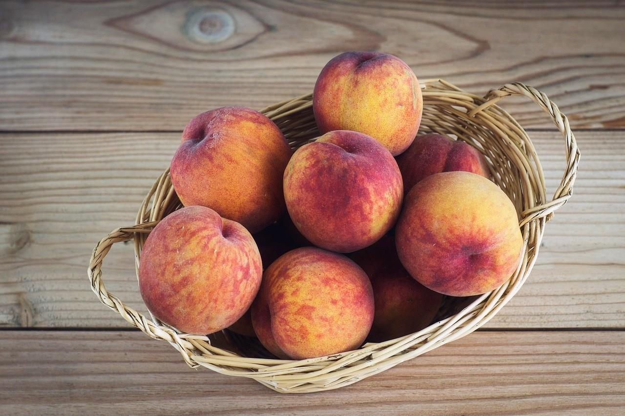 Рецепты диетических блюд с персиками
